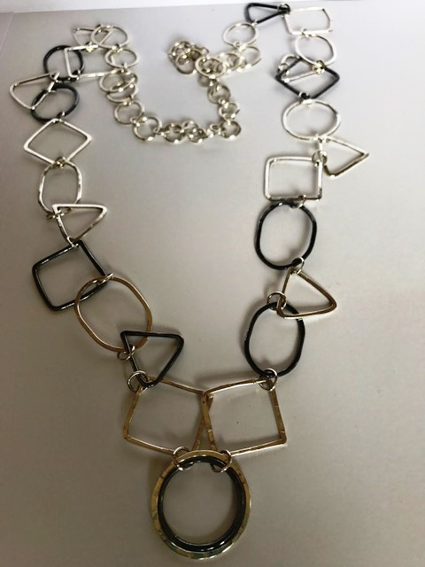 Geometric long necklace