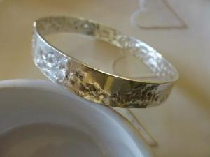 Polished antique lace bangle